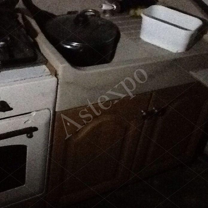 Cucina con mobile lavandino con vasca e sgocciolat - Aste ...